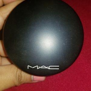 Mac medium tan powder